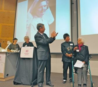 Liu Hui applauds Isobel Conf 2012_v2