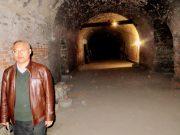 Liu Guozhong - One of the caves in Shuangshipuzhen